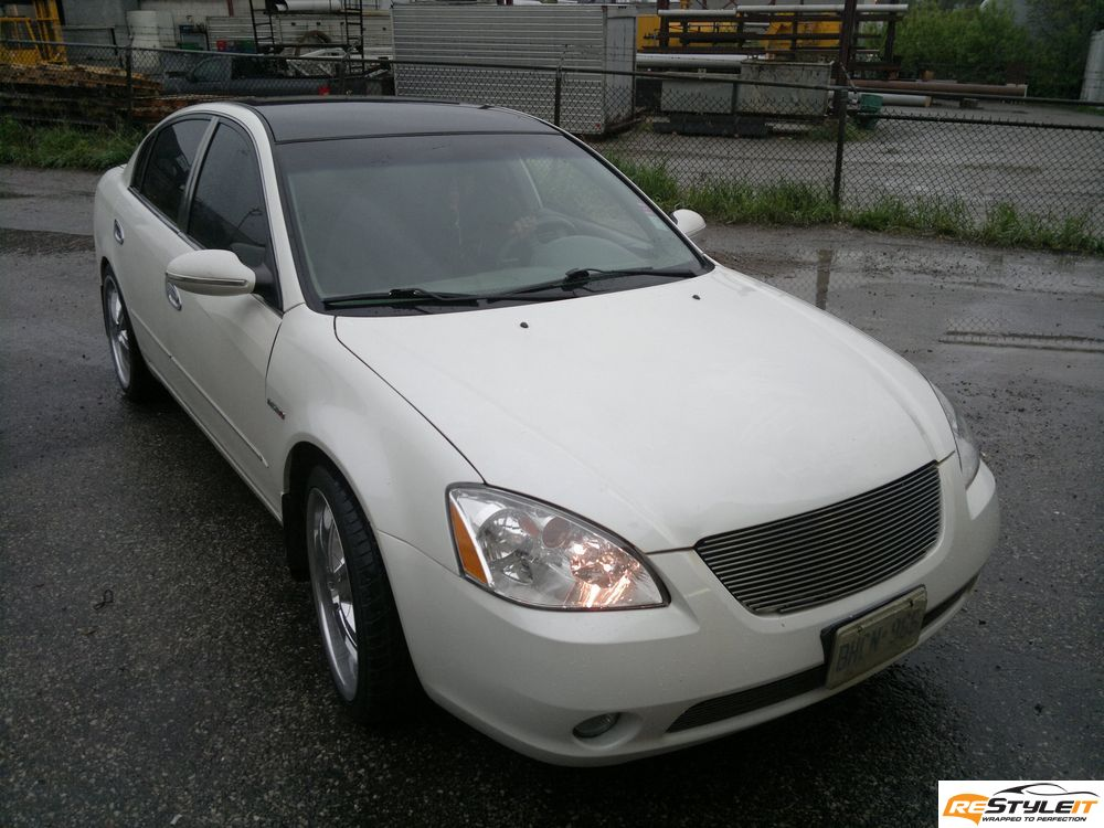 Nissan Altima Gloss Black roof wrap