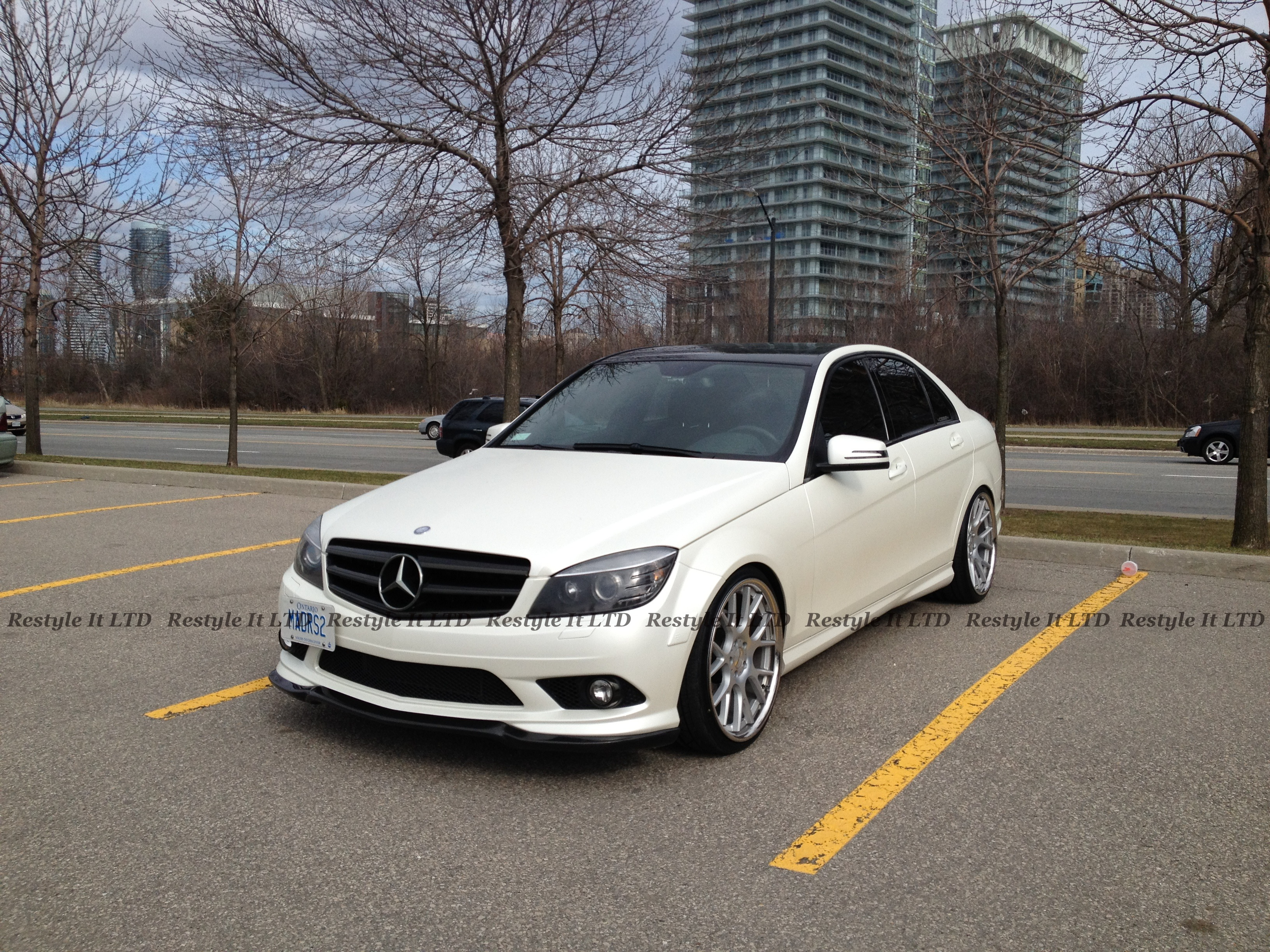 Satin pearl white mercedes c300 vehicle customization for Mercedes benz c300 aftermarket accessories