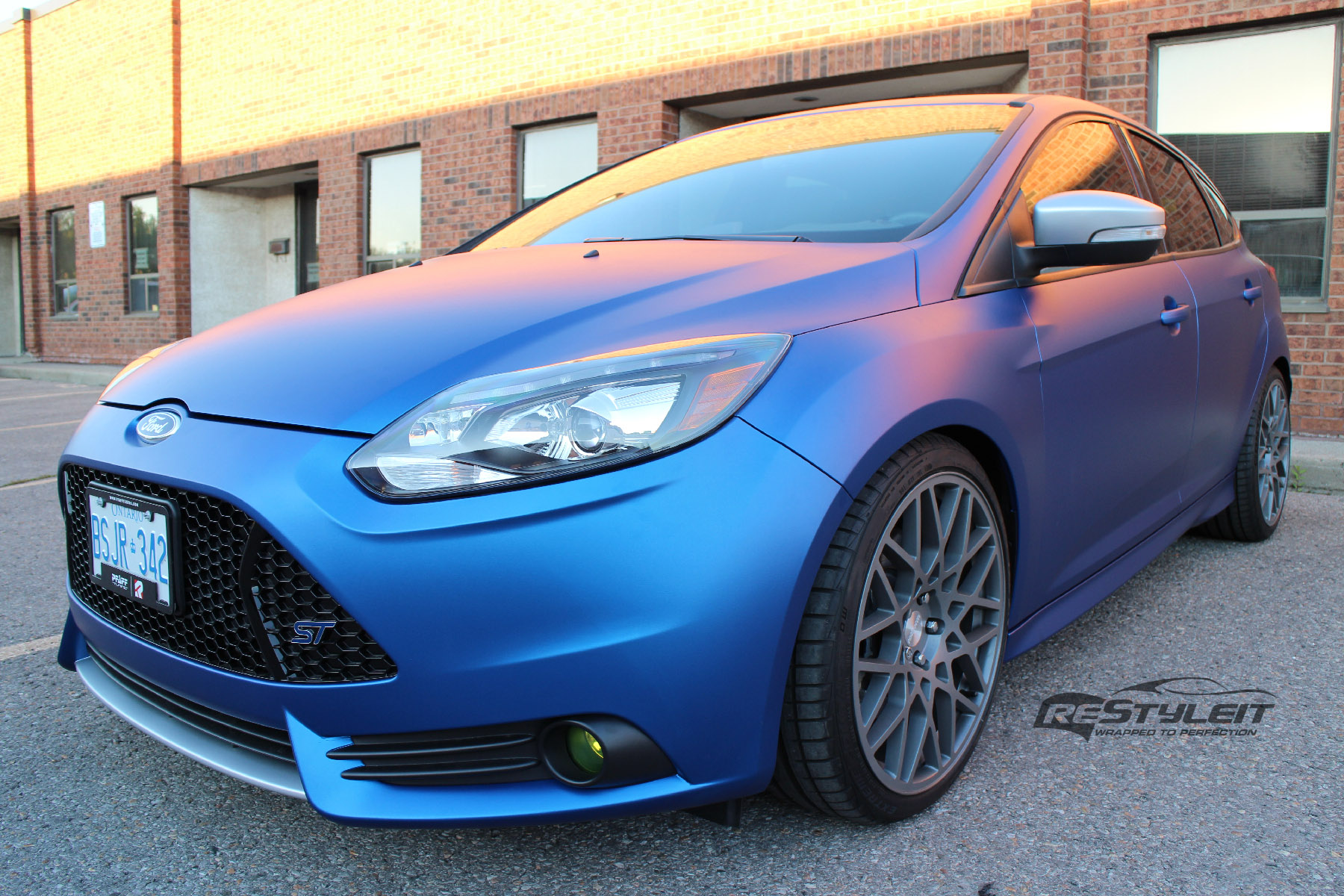 Matte Metallic Blue Ford Focus St Vehicle Customization Shop Vinyl Car Wrap Car Wrap In