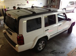 Gloss White Jeep Commander