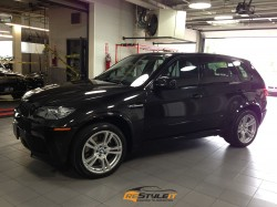 Gloss Metallic Black BMW X5M