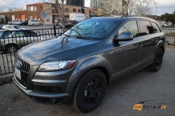 Audi Q7 window molding and roof rails black out